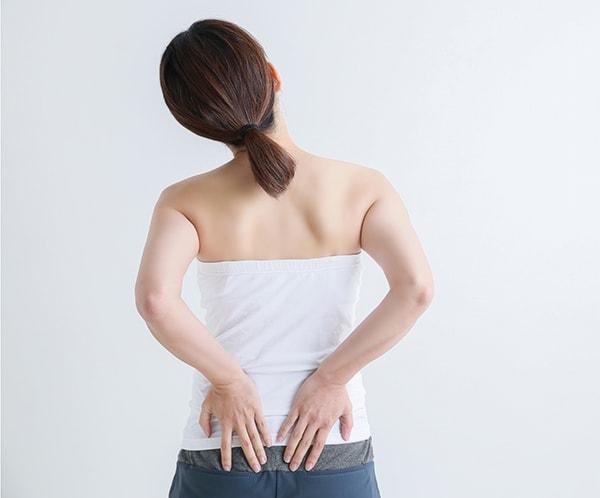 姿勢でリセット! 腰痛対策 | 不調改善ヘルスケア | サワイ健康推進課